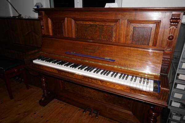 Kawai CA-48 in Klaviergehäuse